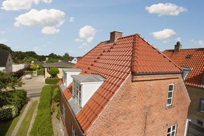 Nyt 120 m2 Komproment tag med kviste i Hillerød