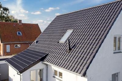 Nyt 160 m2 Komproment tegltag med zink tagrender i Hårlev nær Køge
